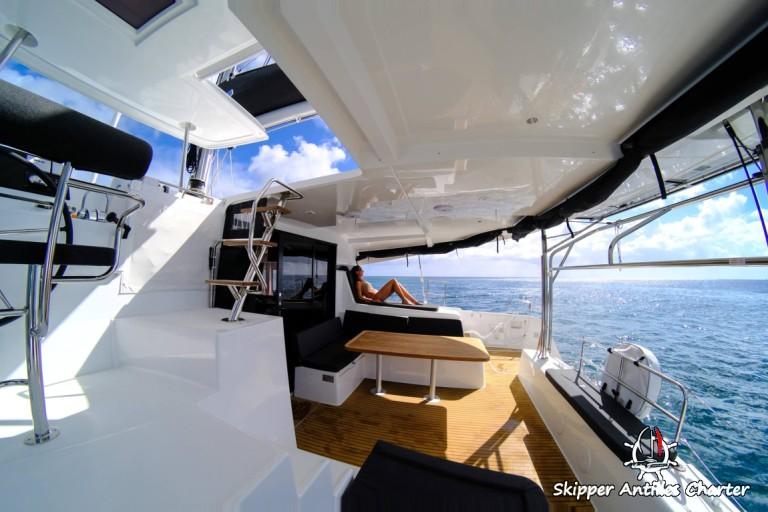 Lagoon 42 le cockpit